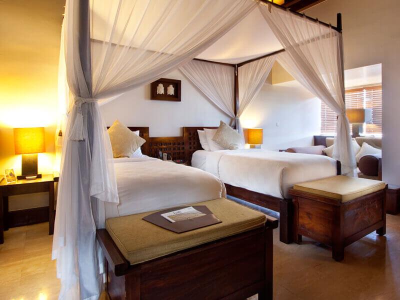 resort-club-twin-beds