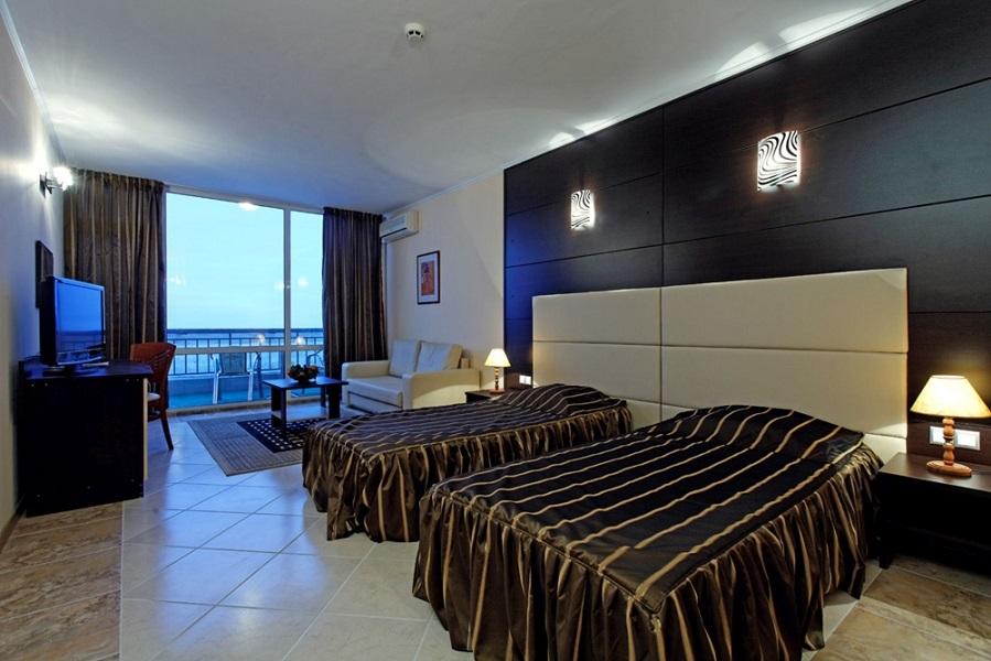 room (6)(4)