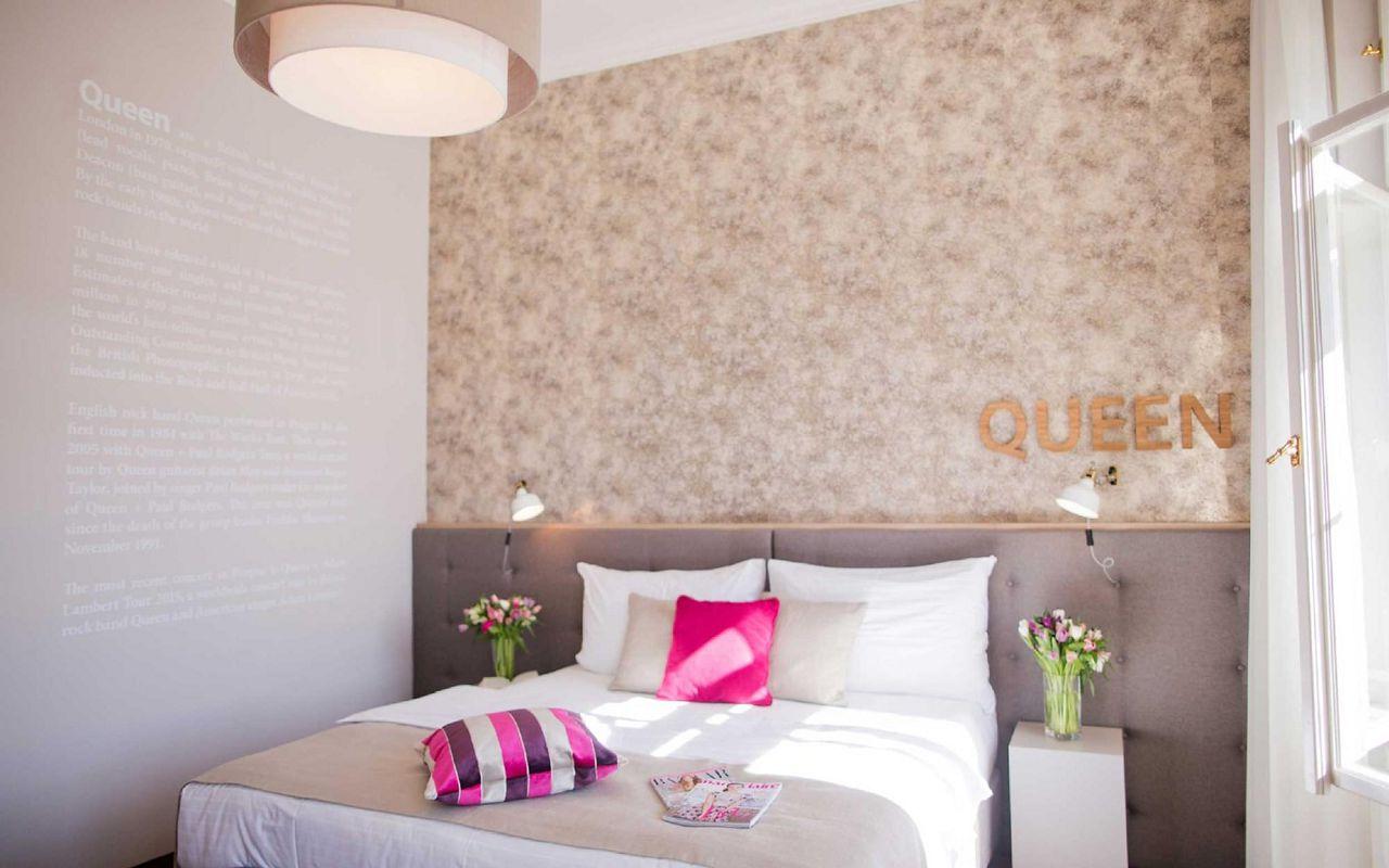 room-queen-hotel-prague-klarov