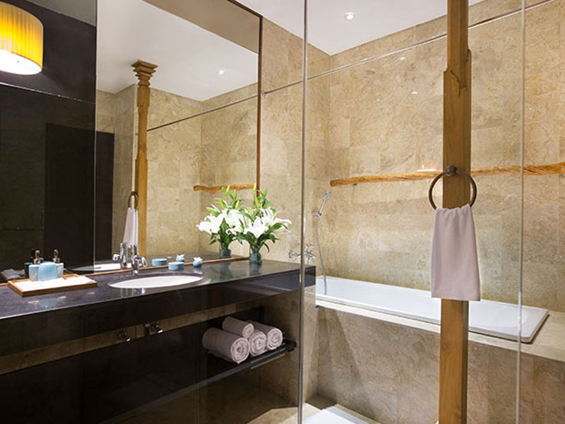 sadara-premier-room-bathroom