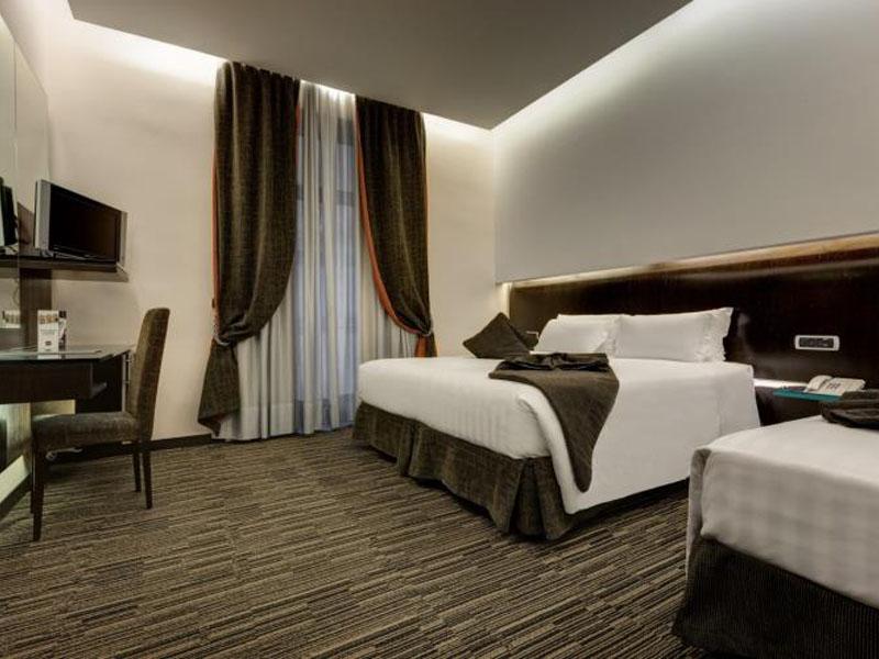 superior-room-hotel-cosmos