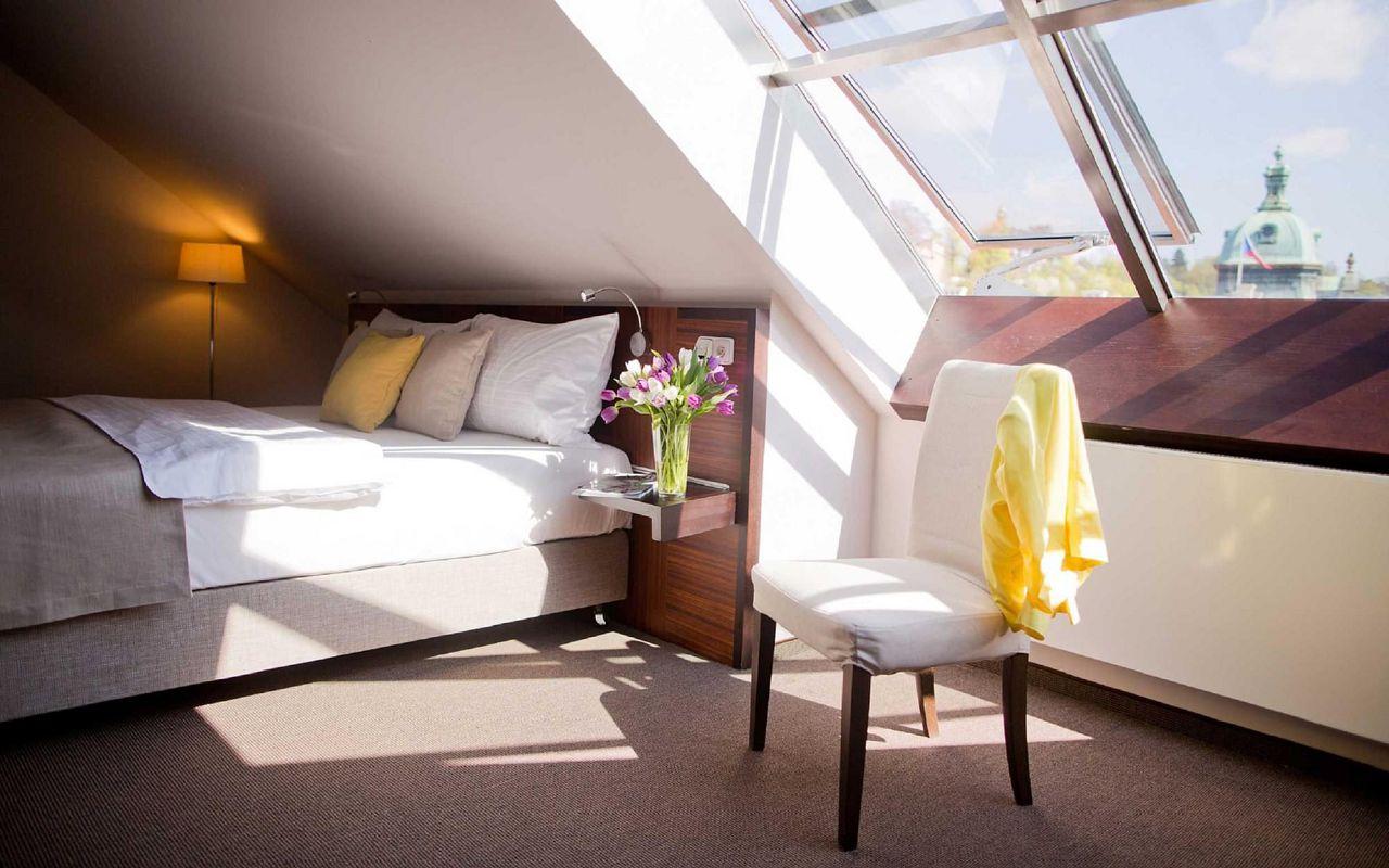 superior-rooms-beyonce-hotel-klarov-prague