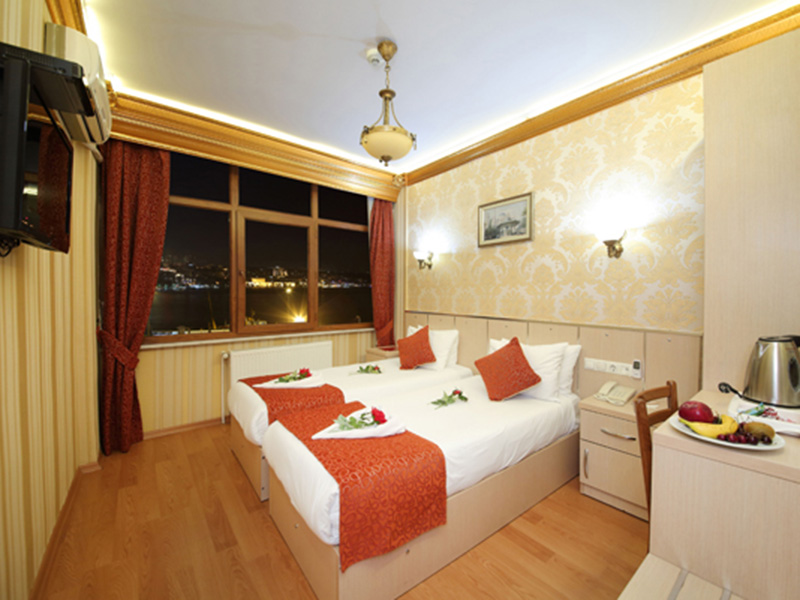 tandard Double Room with Bosphorous View