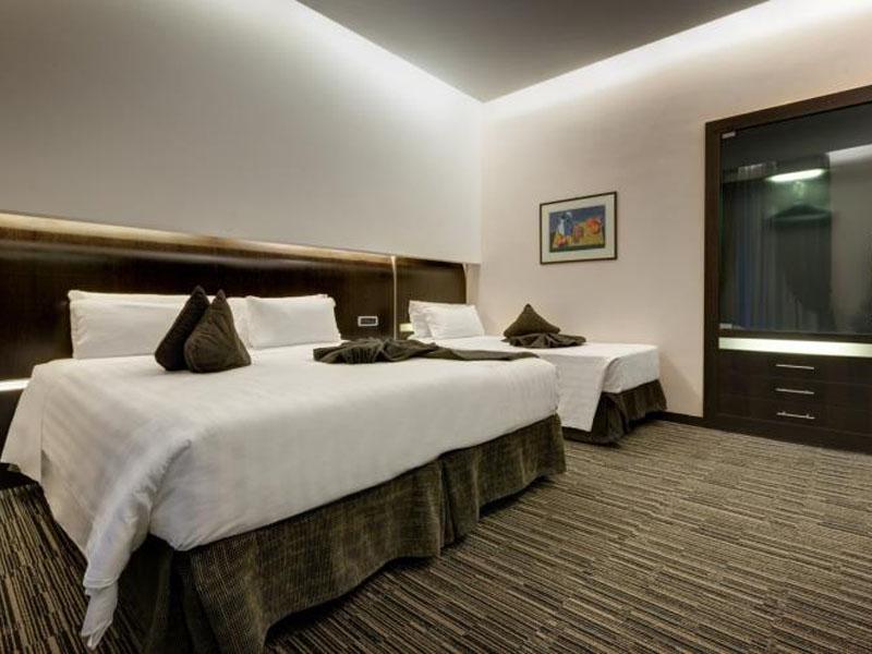 triple-room-best-western-plus-hotel-universo-roma (1)