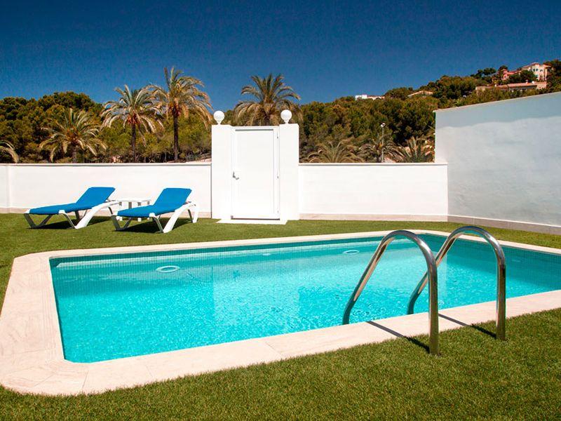 villa private pool10
