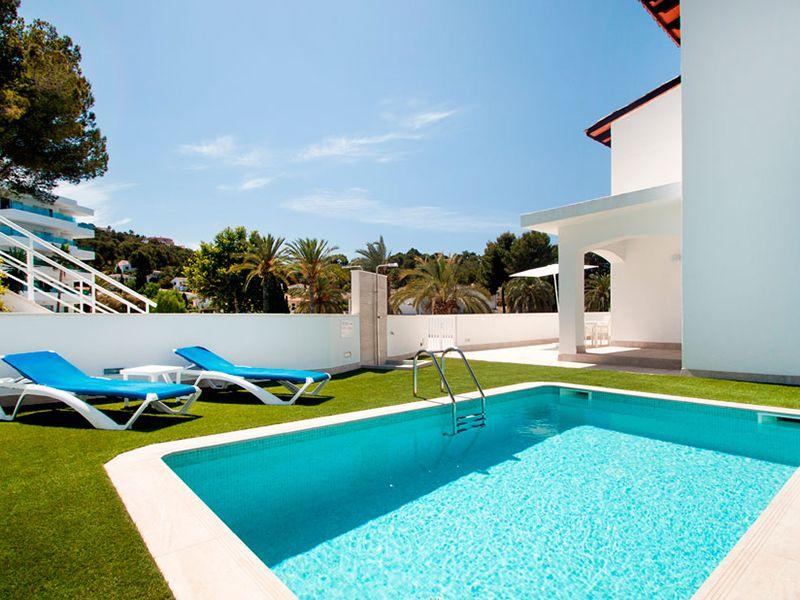 villa private pool13