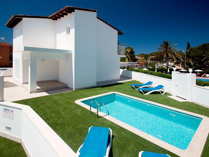 villa private pool15