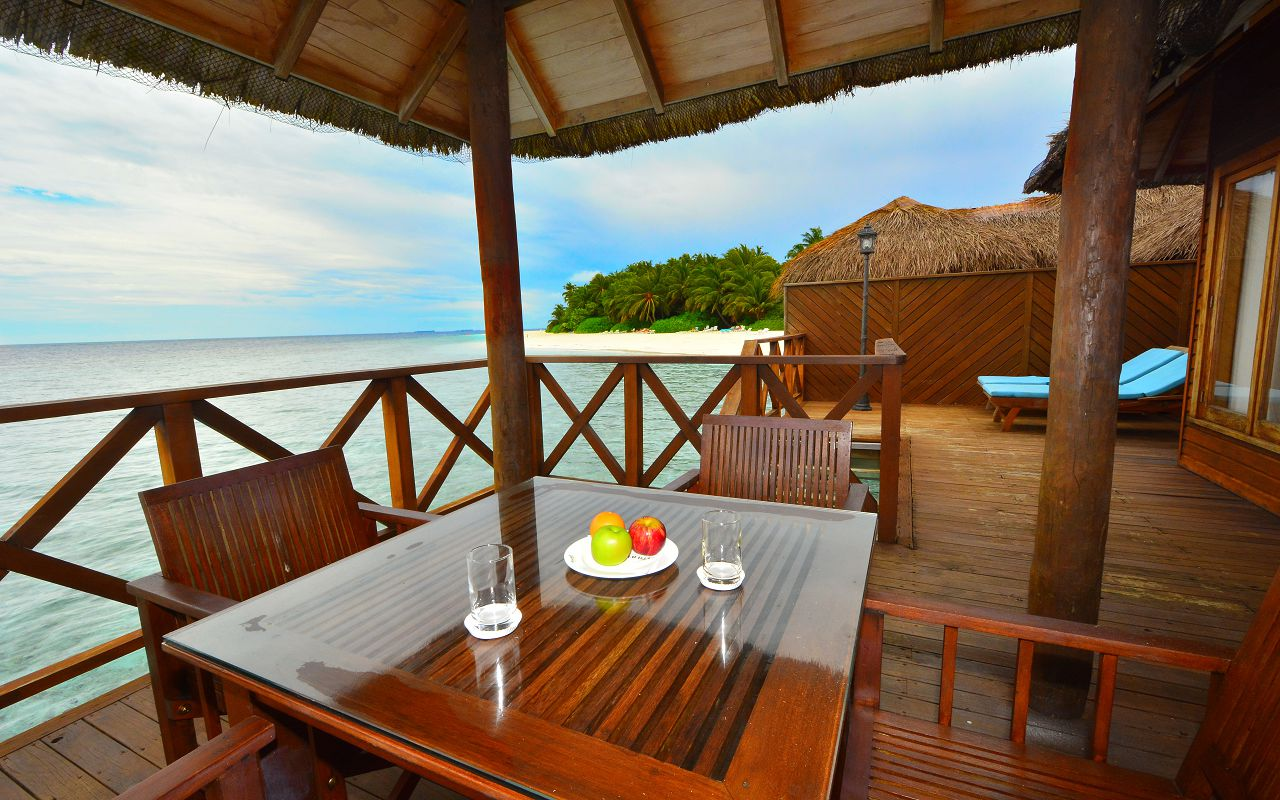 water villa sundeck