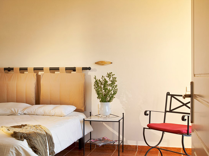 16_standard_room