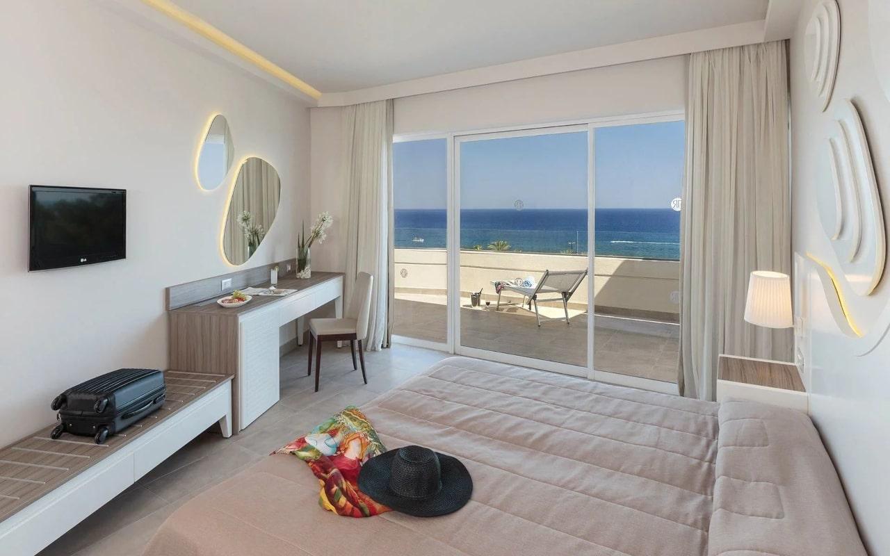 1_family-suite-rodos-princess-beach-hotel-1920x1080-min