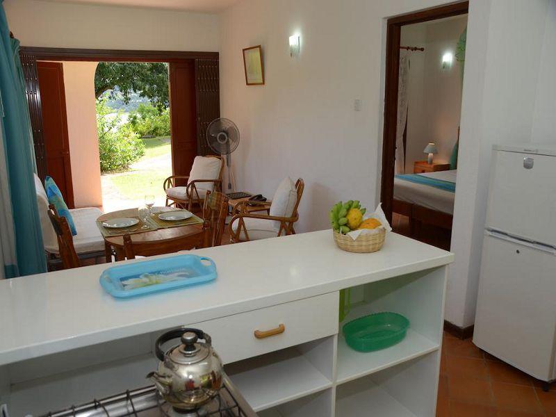 2La Residence (129