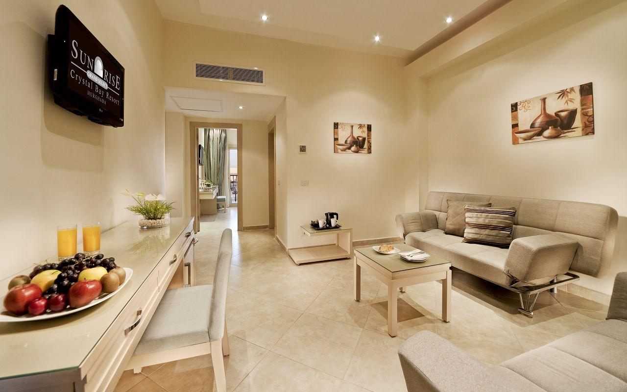 4. CB Family Suite Living