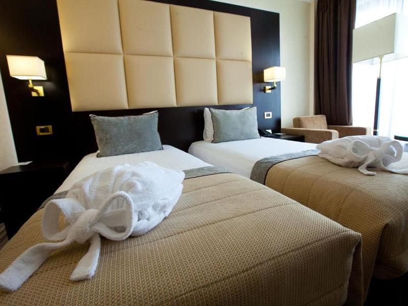 4Premier Hotel Dnister (1)