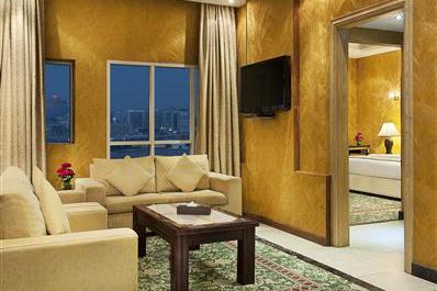 Apartment 1 King 2 Singles-1