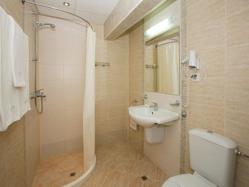 Bathroom (Medium)