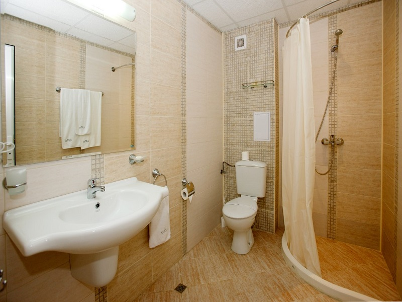 Bathroom_Karlovo (Medium)