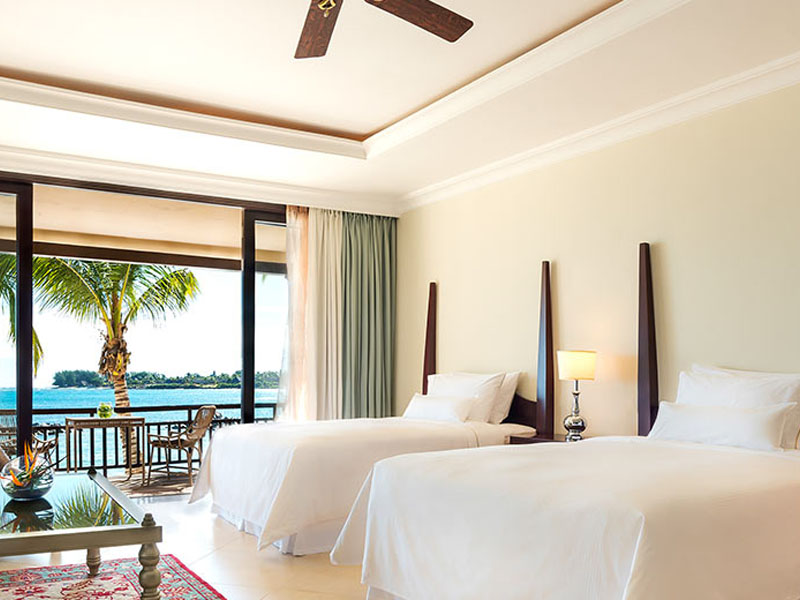 Beachfront Deluxe Room Twin