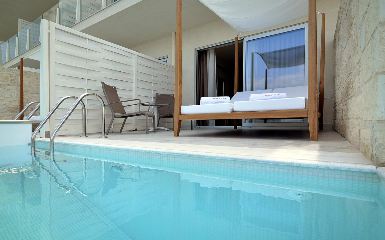 Classic-Room-with-Private-Pool-4-Copy