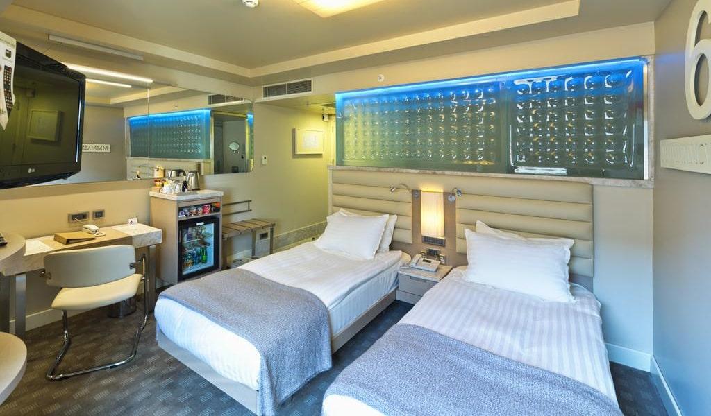 Comfort Twin Room 1-min