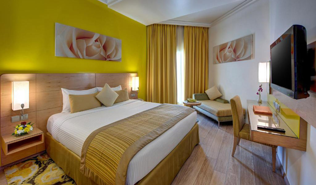 Deluxe-Al-Khoory-Executive-Hotel-27042020-1