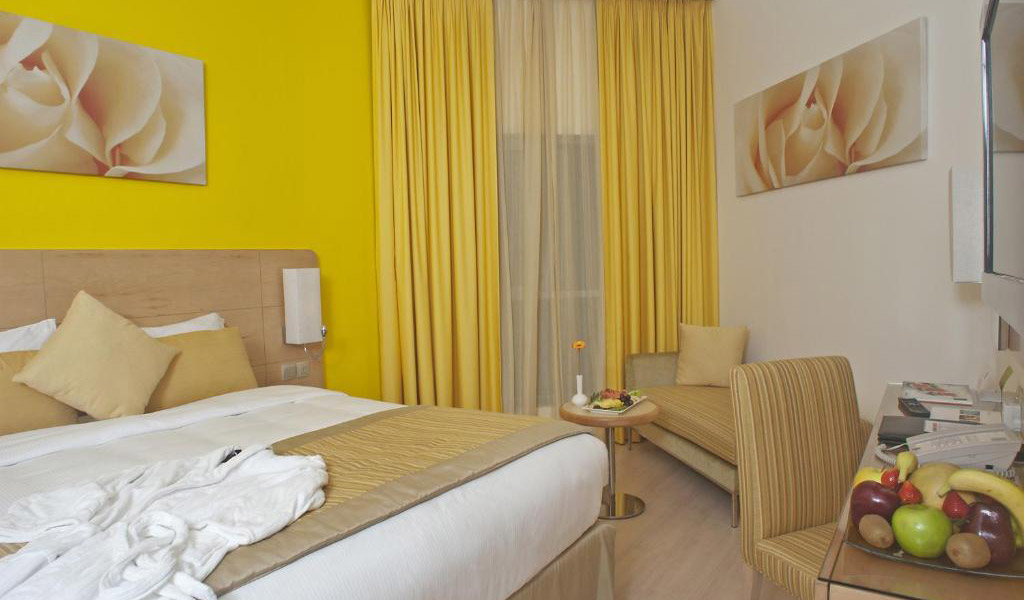 Deluxe-Al-Khoory-Executive-Hotel-27042020-3