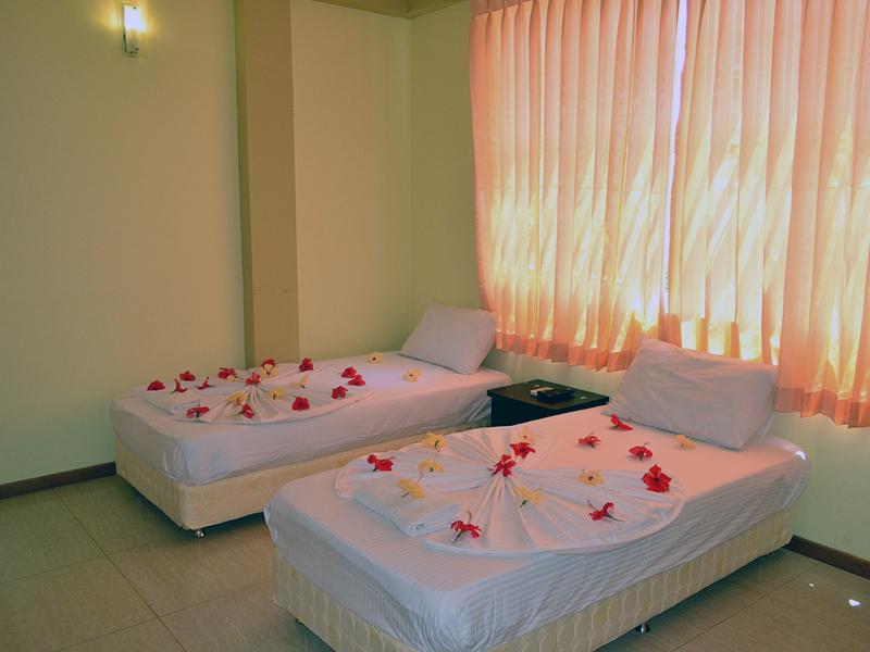 Deluxe Twin Bed Room-2