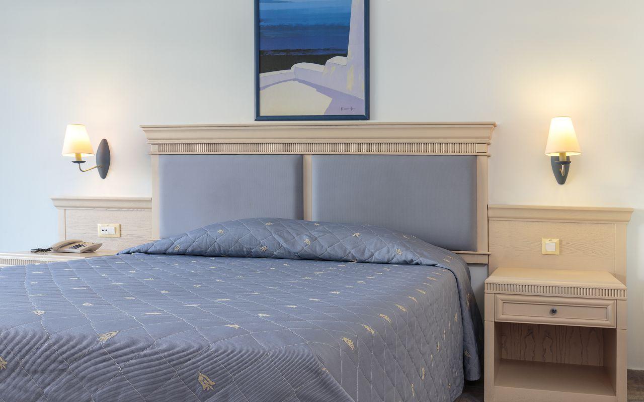 Double Room Standard (4)