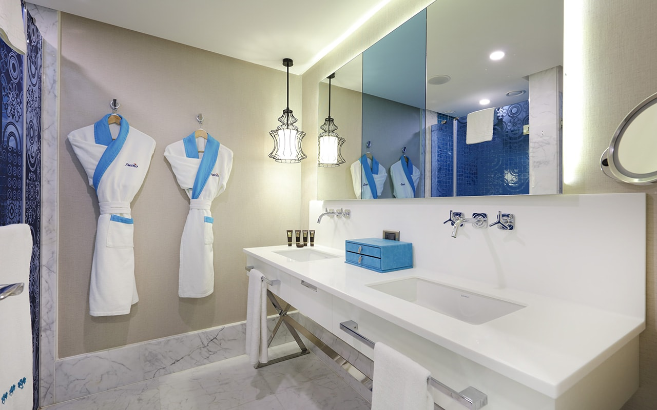 Infinity Bathroom-min