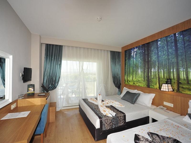 Lake & River Side Hotel & Spa (2)