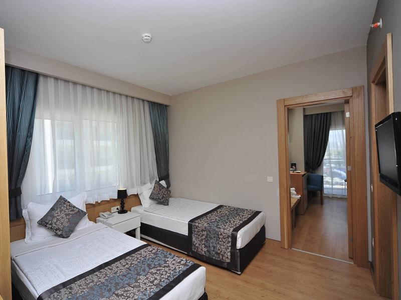 Lake & River Side Hotel & Spa (27)