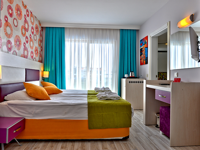 Ramada Side Room 2304-1Standart Twin Bed