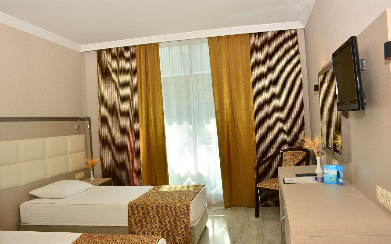 Ring Beach Hotel_02-min