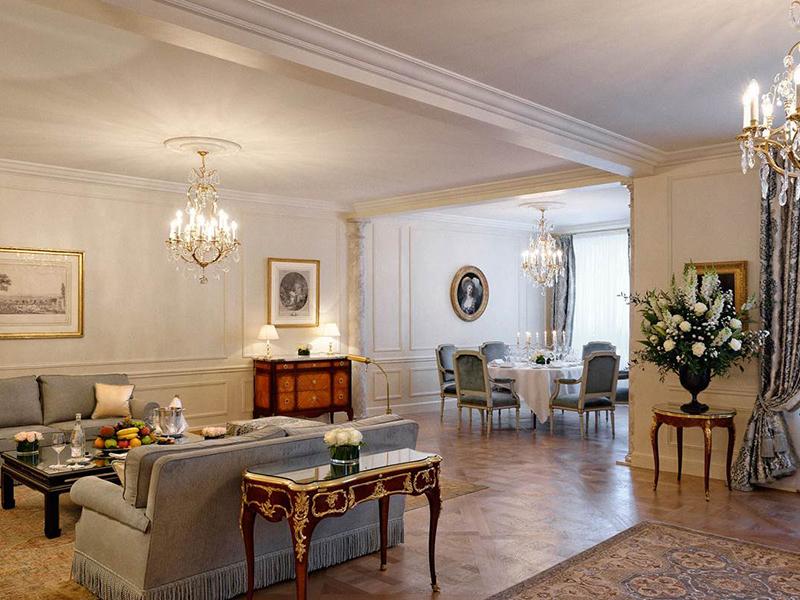 Royal Suites3