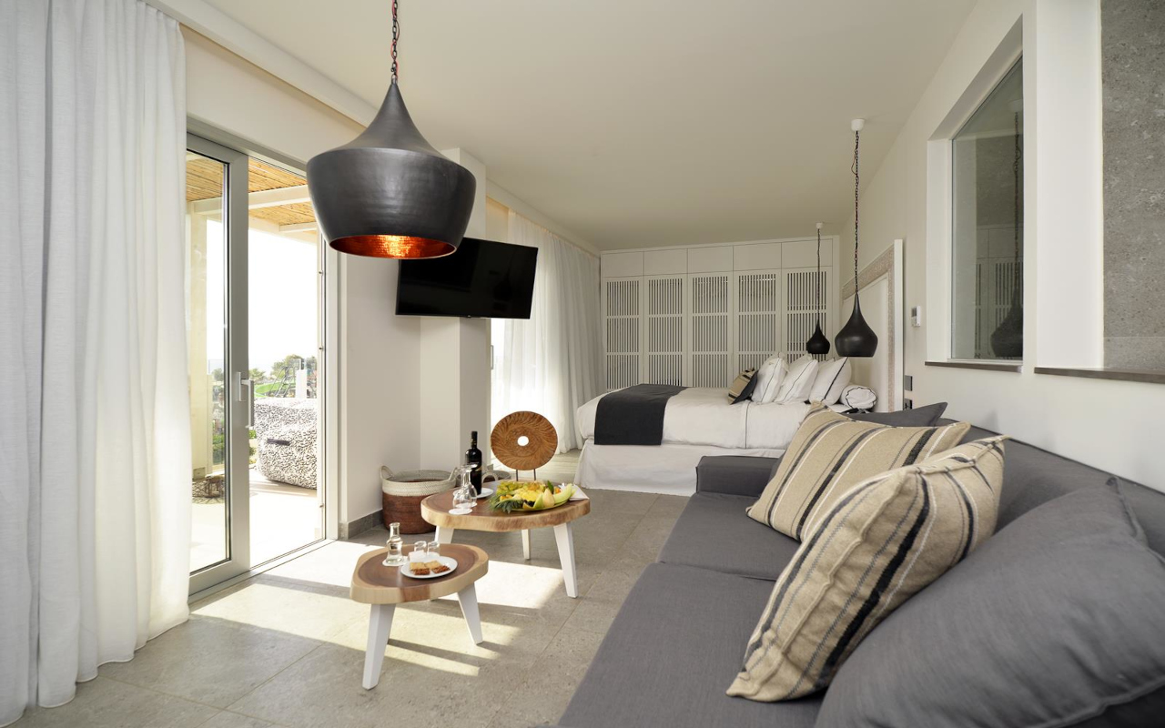 Suite-with-Private-Pool-Sea-View-2-Copy