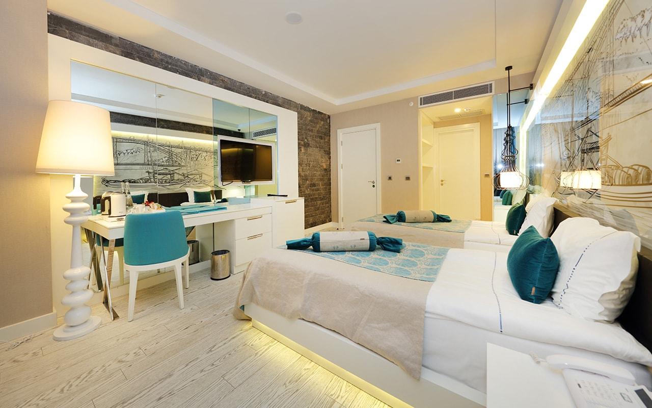 Superior Sueno Suite Bedroom 2-1-min