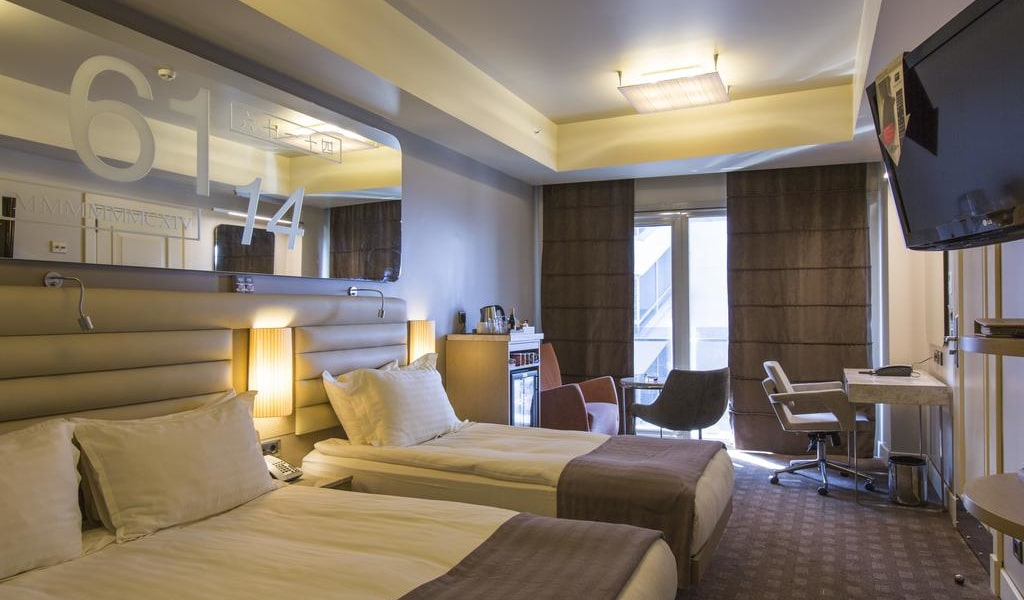 Superior Triple Room with Double and Single Bed 2-min