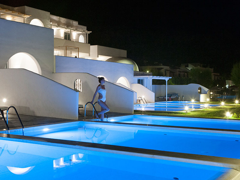 Superior with private pool3