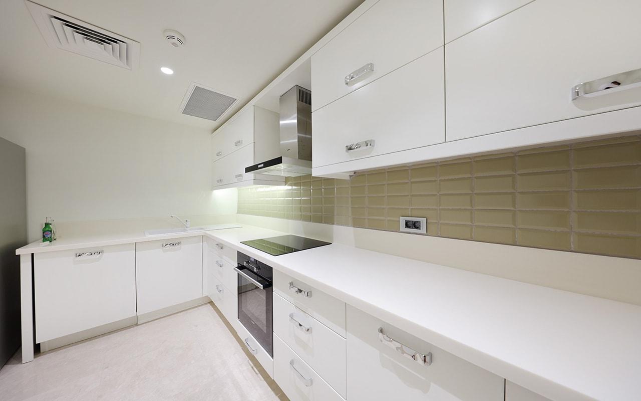Villa Kitchen-min