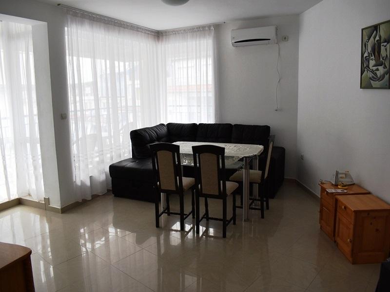 апарт 4+1-хол