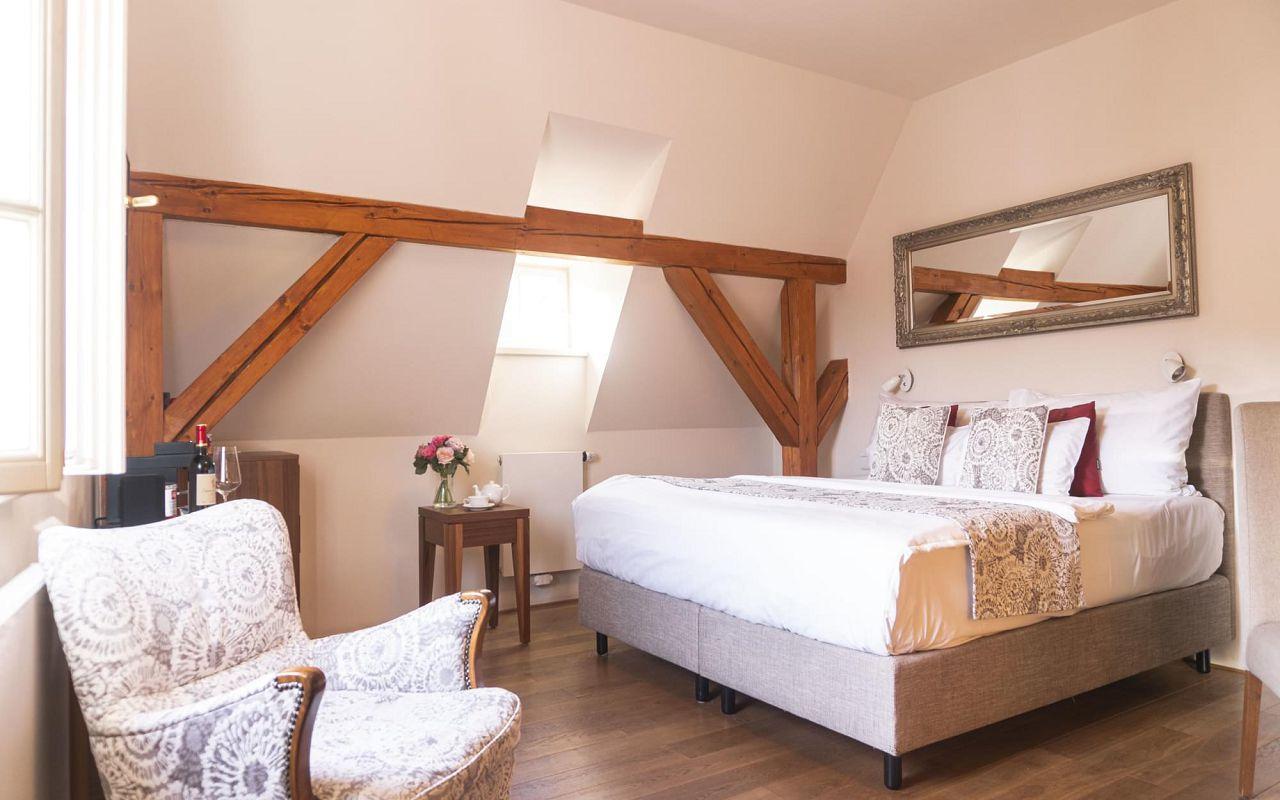 deluxe-room-hotel-golden-key-prague-pict-24