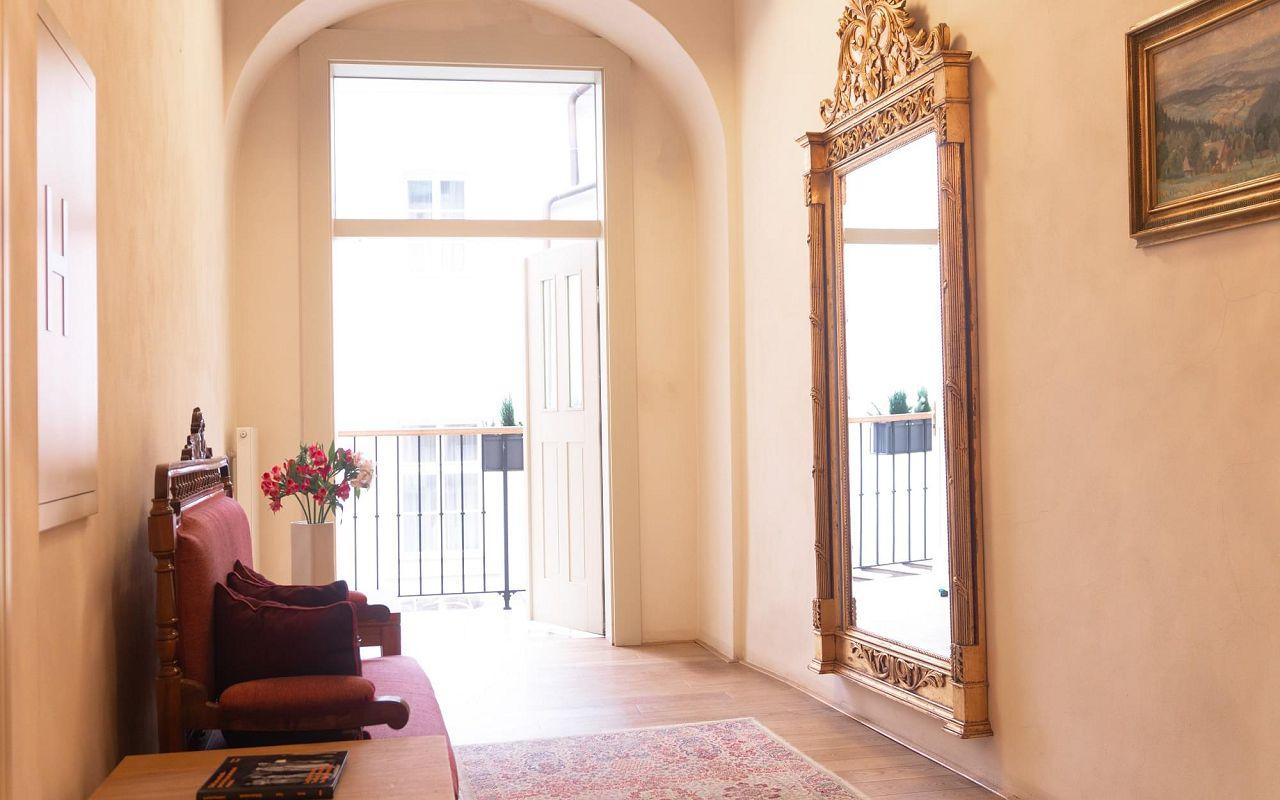 hotel-golden-key-corridor-1