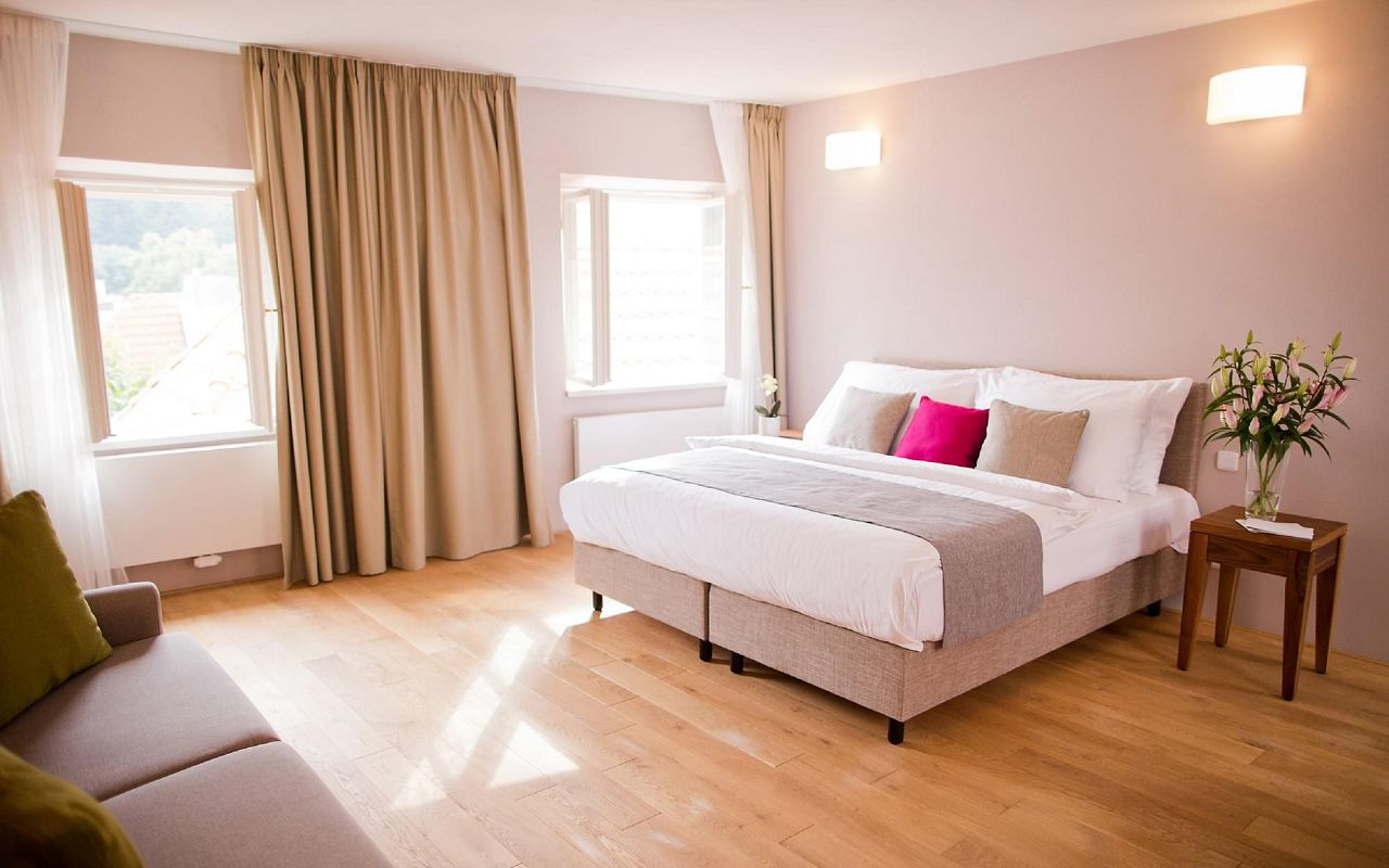 hotel-golden-key-prague-suite-with-view