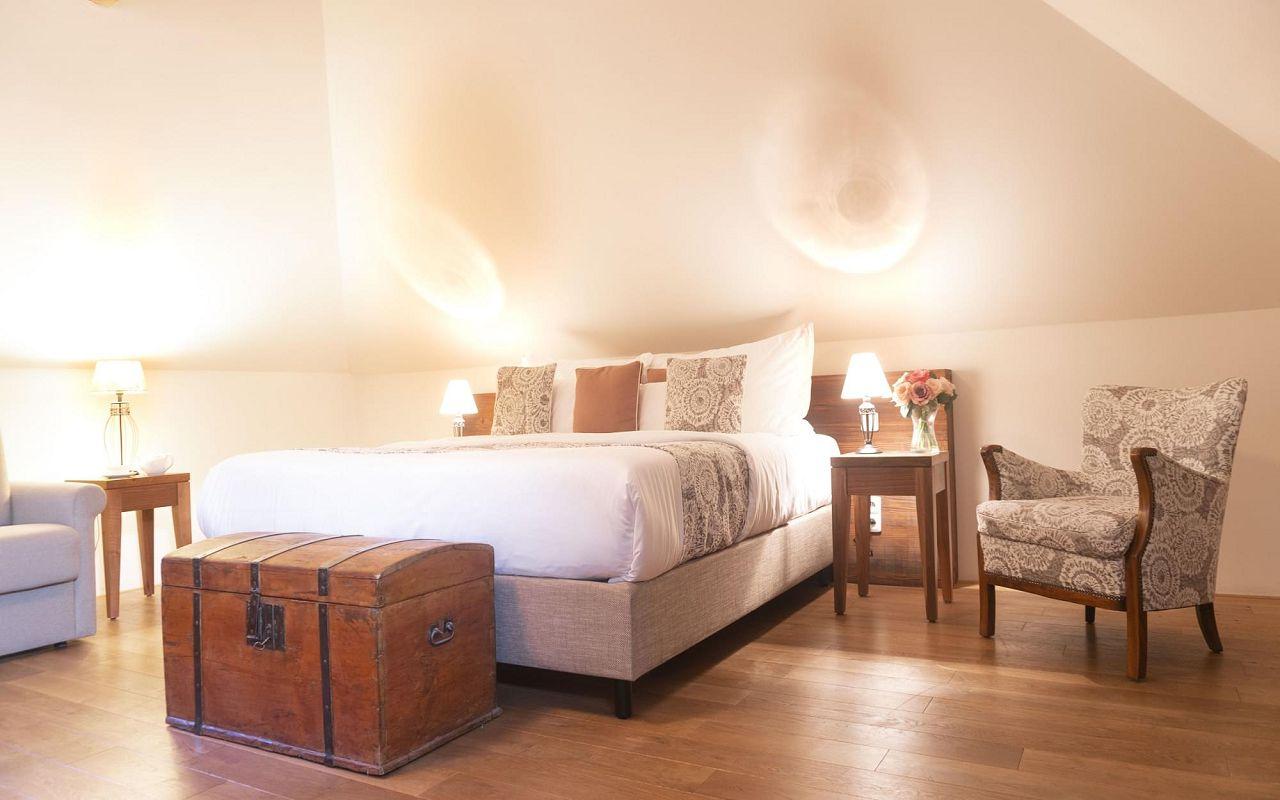junior-suite-hotel-golden-key-prague-pict-2