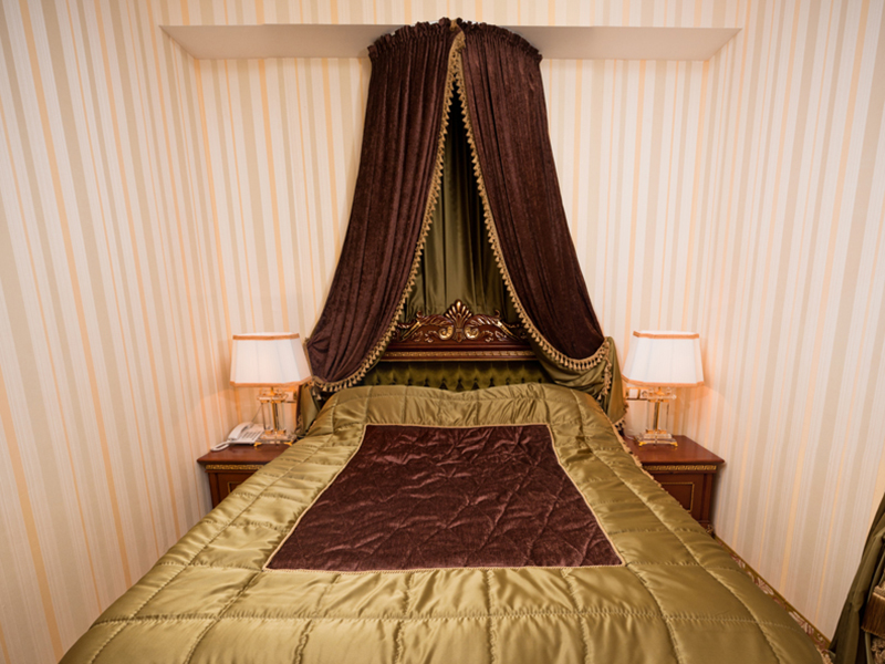 royal-grand-hotel-truskavets-de-luxe-suite9