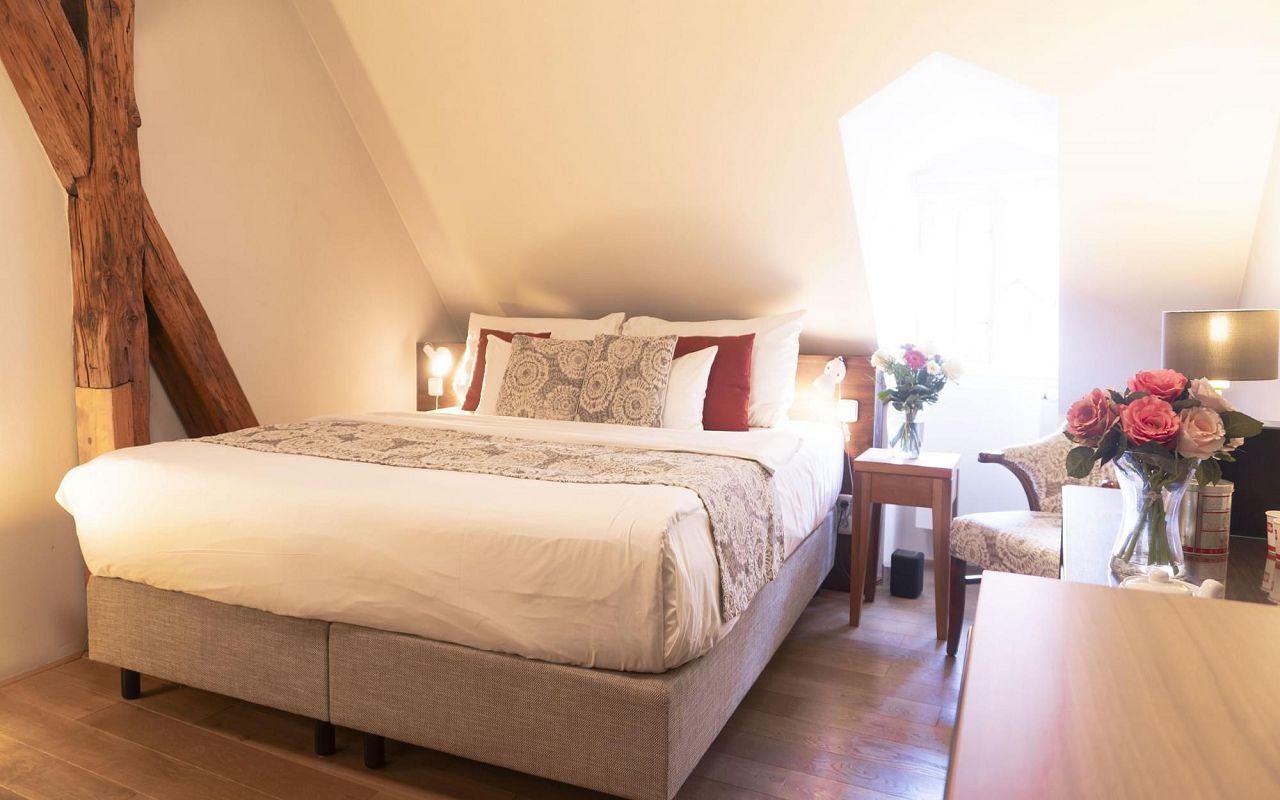 superior-room-hotel-golden-key-prague-pict1