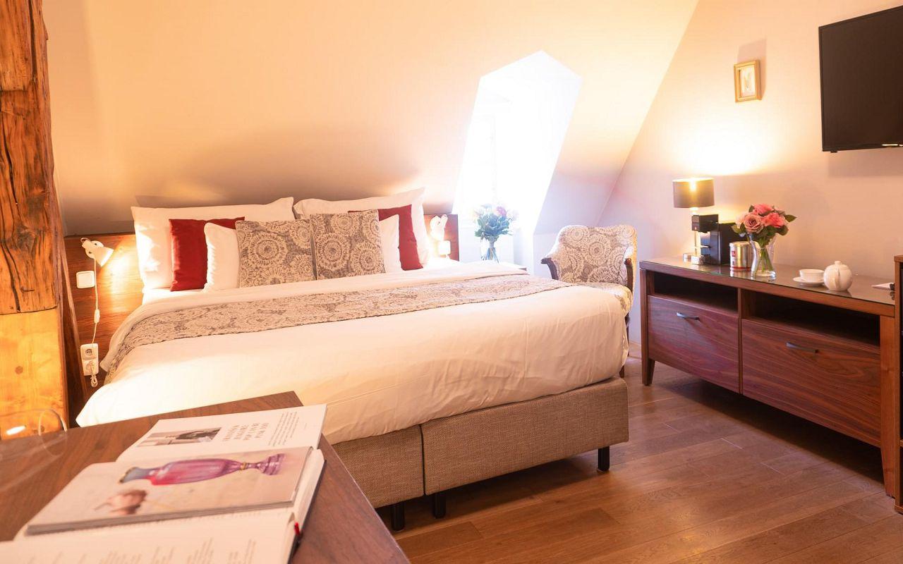 superior-room-hotel-golden-key-prague-pict4