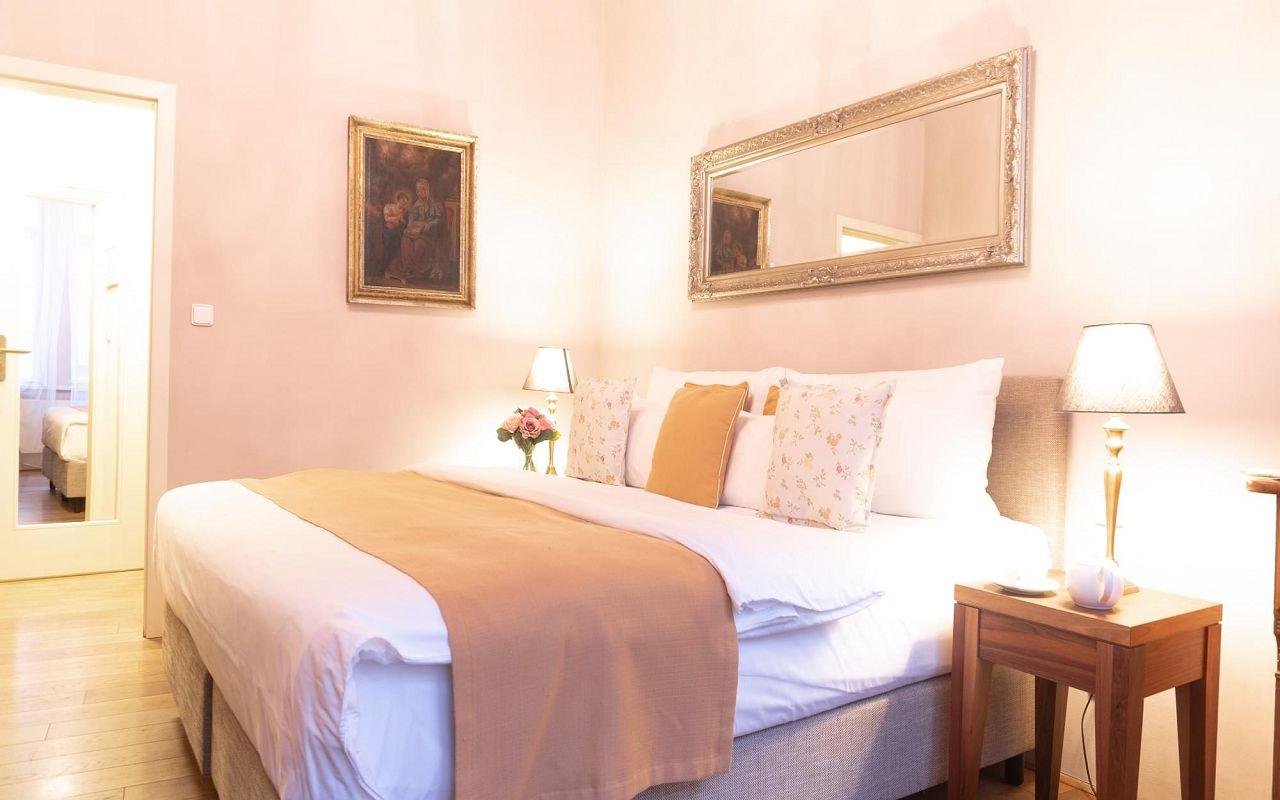 superior-room-hotel-golden-key-prague-pict5