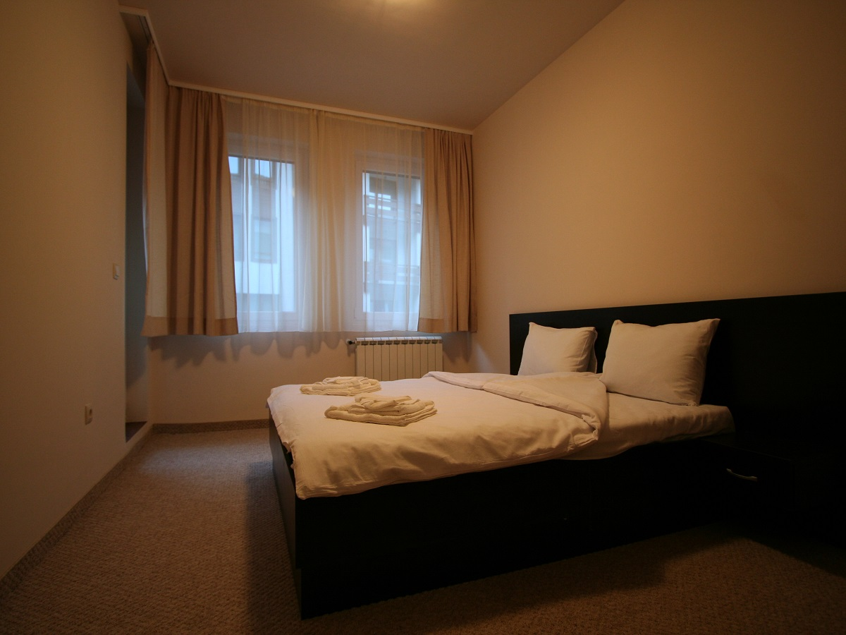 1-bedroom apartment - bedroom