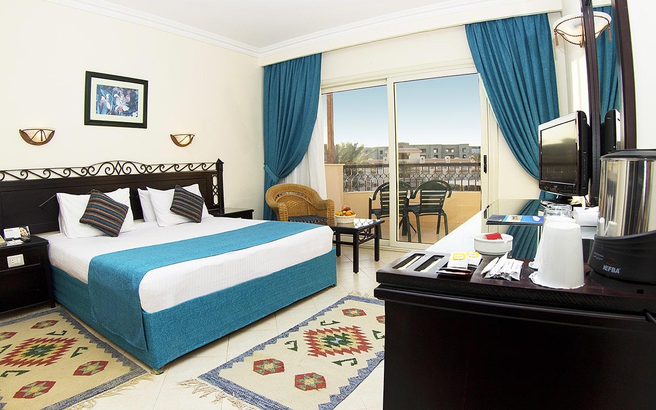 Standard Rooms_06-min