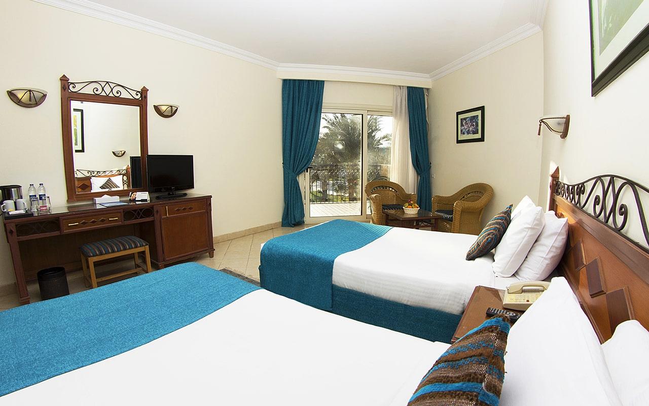 Standard Rooms_08-min
